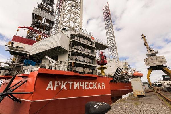 Самоподъемная плавучая буровая установка  «Арктическая»
